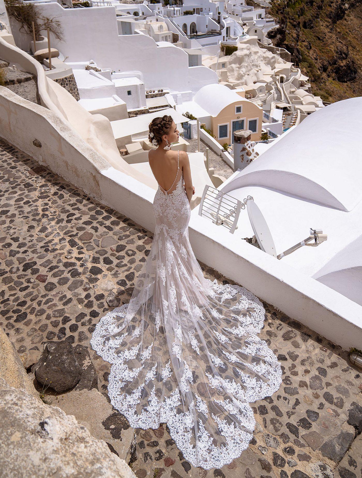 Suknia ślubna, która podkreśli Twoje kształty